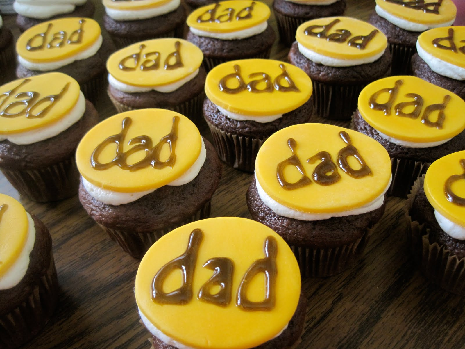 Simple Dad cup Cakes