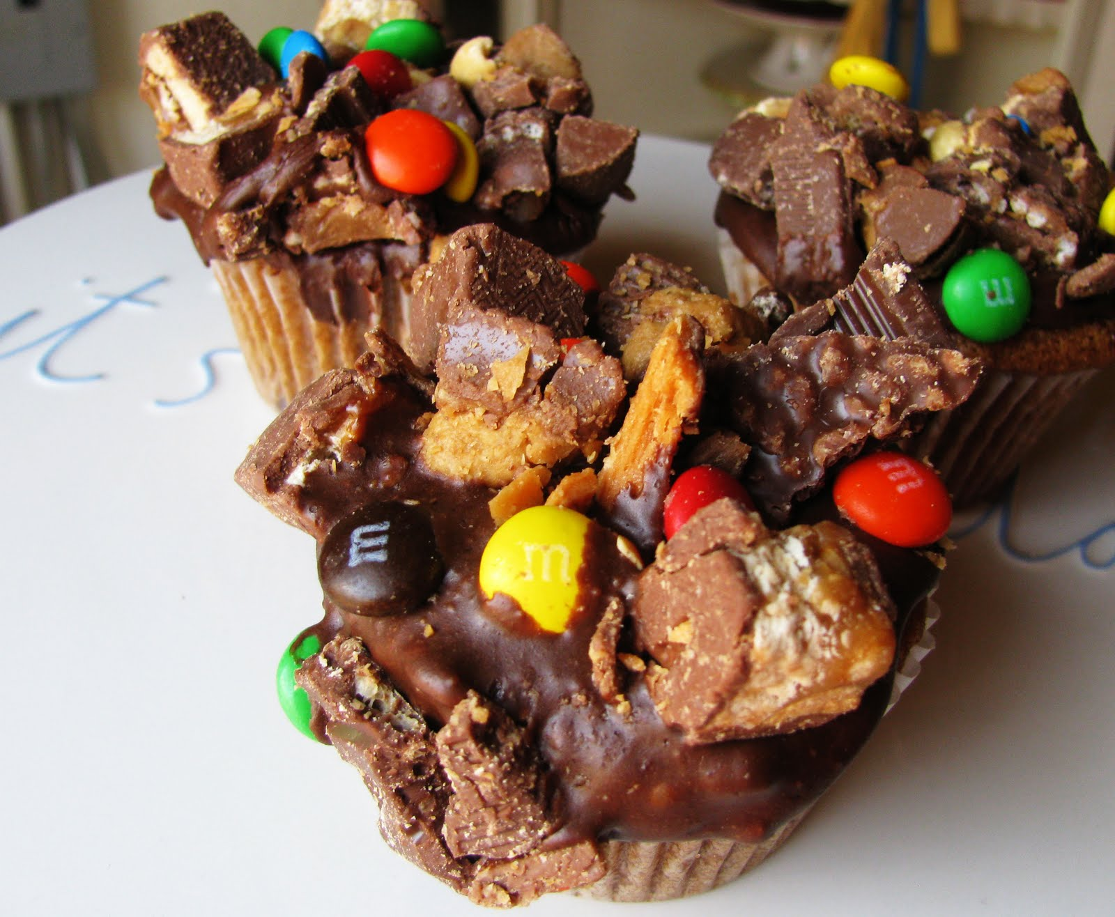 Candy Bar Cupcakes Pizza