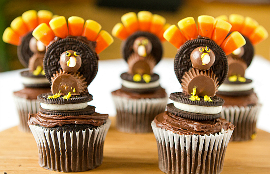 Thanksgiving Oreo Cookie Turkey Cupcakes