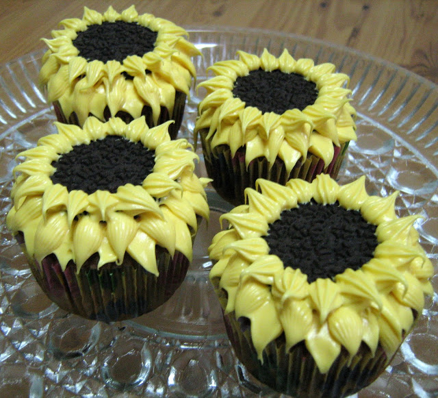 Oreo cupcakes sunflowers