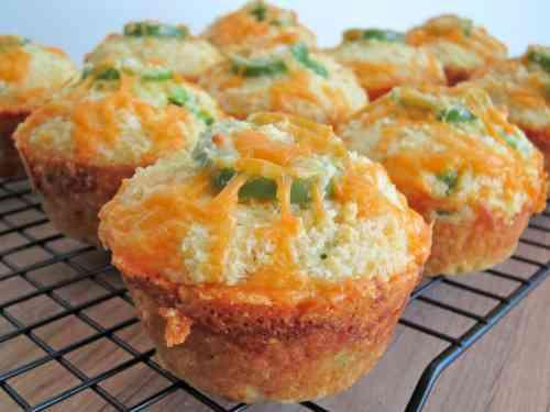 Cheesy Jalapeno Cornbread Muffins [Recipe]