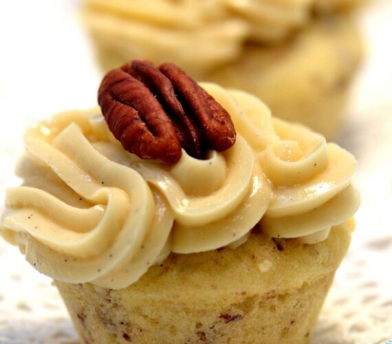 Maple Buttercream Butter Pecan Mini Cupcakes